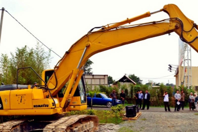 United Tractors Memperkenalkan Komatsu Xcentrik Ripper dan Genuine Breaker JTHB210