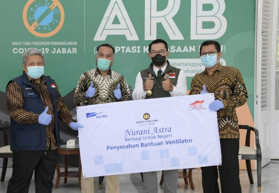 United Tractors Serahkan Bantuan Ventilator Untuk Penanganan Pandemi COVID-19 Kepada Pemerintah Provinsi Jawa Barat